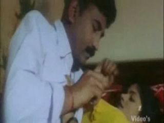 Indian housewife cheating the brush husband fucking with bo...