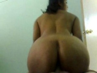 huge ass desi aunty- u never seen desi aunty much big ass
