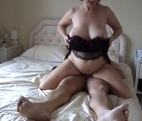 Big Tits Chubby Homemade Mature Natural Older Riding