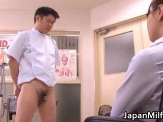Akiho Yoshizawa licked by the brush doctor
