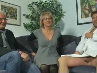 Amateur Cuckold Glasses  Threesome Wife