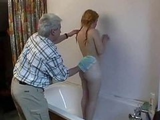 Amateur Bathroom Daddy Daughter Homemade Old and Young Teen