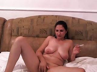 Chubby Masturbating SaggyTits Smoking Webcam