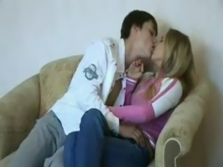 Amateur Kissing Sister Teen