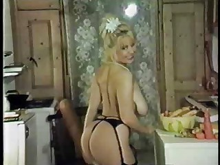 Ass Big Tits Blonde Kitchen   Vintage