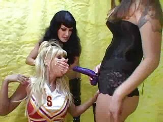 Cheerleader Lesbienne  Strap-on