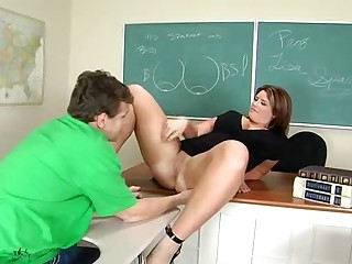 MILF teacher Lisa Sparxxx giving private lesson in classroom