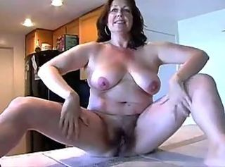 Amateur Chubby Hairy Mature Mom