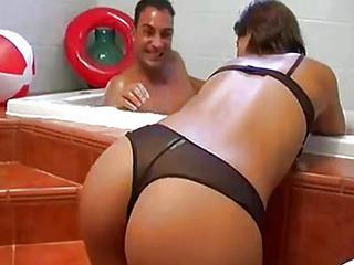 Hotel Maid Gets Fucked In Bathroom