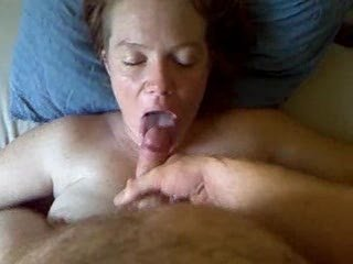 Amateur Girl Swallowing Cum