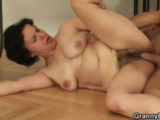Hairy mature cunt fucked after...