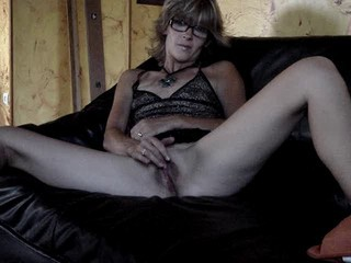 Glasses Granny Masturbating Webcam
