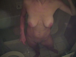 Amateur Mature Toilet