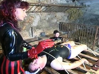 3 Erotic dominas tie up the...