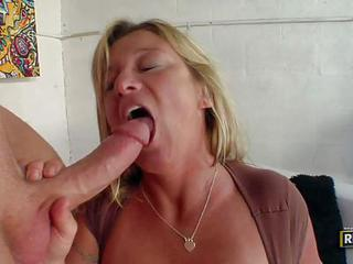 Sex Starved Mature Blonde Samantha Lee With Huge Breasts Has Sex With...