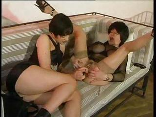 Two Kinky Sluts Fist And Dildo F...