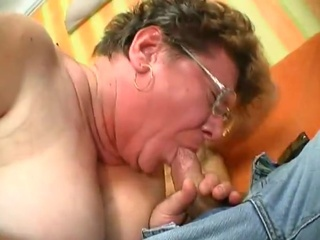 Old chubby babe suck cock