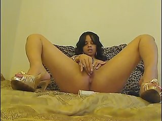 Horny Mulatto Girl Plays With Her Juicy Phat Ass