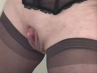 Rubbing big clit of my grown up wife Amateur World Wide Wives