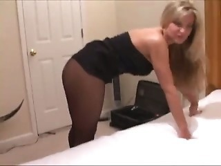 Amateur  Pantyhose Wife