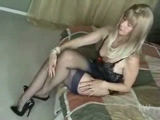 Sexy Mature woman teasing and fucked
