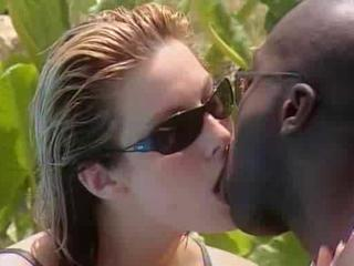 Interracial Kissing  Outdoor