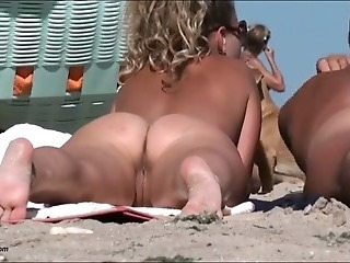 Spy cam at the beach