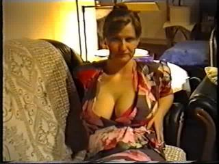 Wife flashing big tits in a bra Sex Tubes