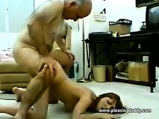 Amateur Daddy Daughter Doggystyle Old and Young Teen