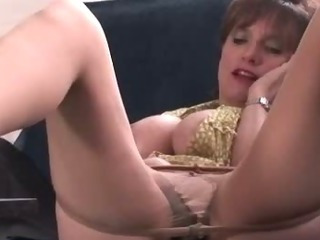 Masturbating mature slut