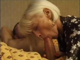 Hot And Sexy Mature Lady