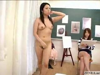 Japanese Nude Art Class Has Live Demonstration