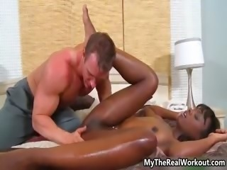 Hot ebony babe gets her pussy rubbed part2