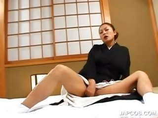 Earthy japanese geisha vibing her hungry pussy