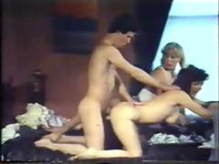 Vintage MILF Threesome Mom Family Old and Young