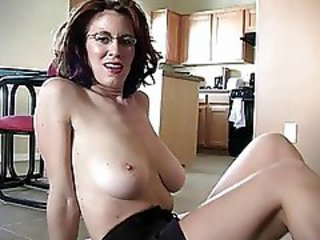 http%3A%2F%2Fwww.sunporno.com%2Ftube%2Fvideos%2F476523%2Fsporty-busty-redhead-momma-works-on-her-cock-sucking-skills.html