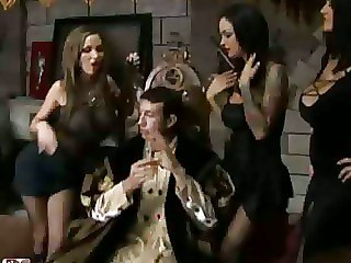 Three Woman Fucks Two Guys In King And Throne Porn