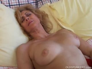 Mature inferior loves to cum