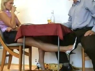 Mature yellowish slattern rubbing small dick nigh her feet