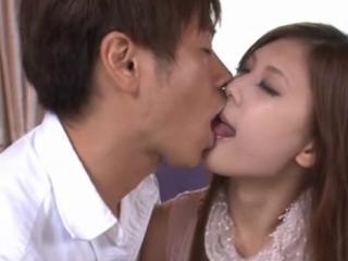 Asian Babe Japanese Kissing