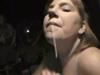 Amateur homemade blowbang with cumshots