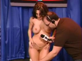 A Very Drunk Kendra Jade Rossi Visits Rub-down the Howard Wounding Show