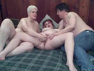 Fisting Mature Threesome