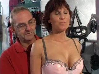 Mature Fisting and Squirting in Store