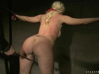 Busty slavegirl getting punished and fucked by reno78