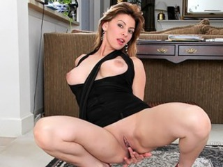 Lonely housewife Valarie uses couple dildos to satisfy her pierced pearl...