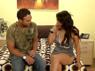 Latin babe Pepper Foxxx pounded