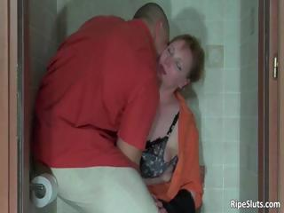 Muscled bodybuilder grabs poor milf part3