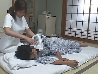 Japanese massage      female masseuse with a guy