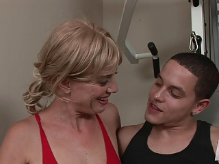 Mature Liz Summers-trasgu